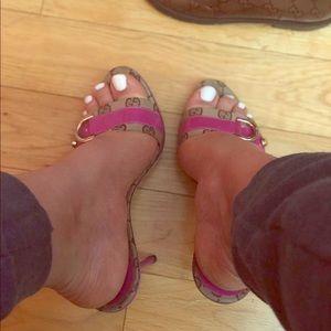 Gucci Shoes - RARE VINTAGE Gucci sandals 💕